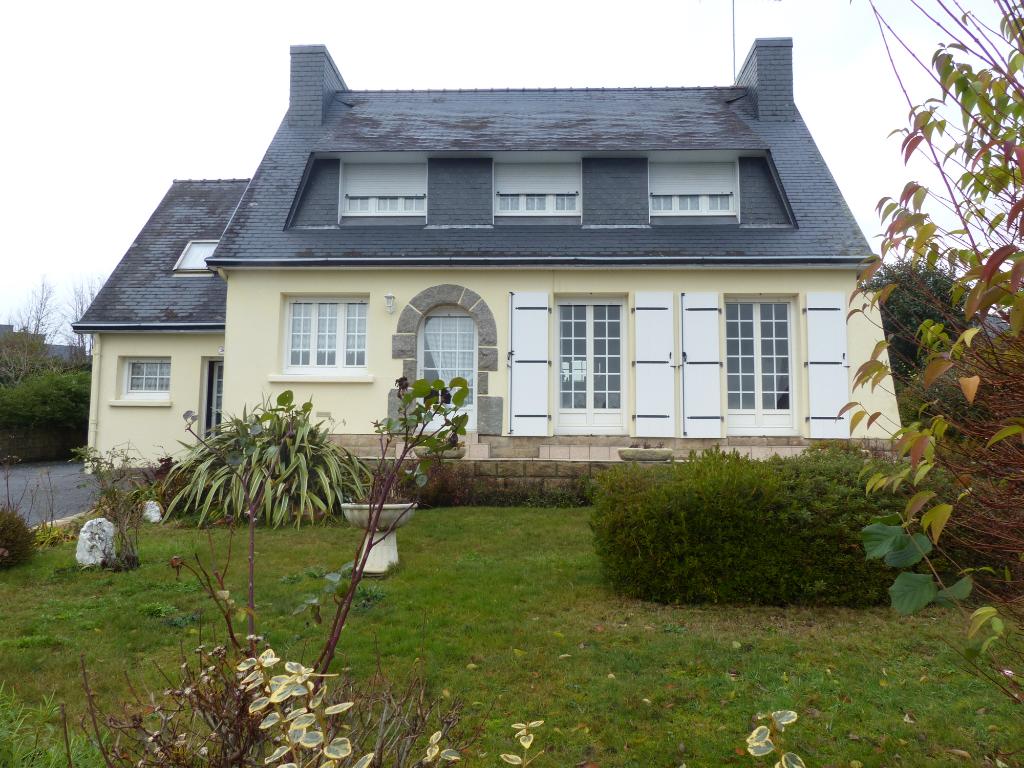 Maison Rosporden, Kernével, 4 pièce(s), 110 m²