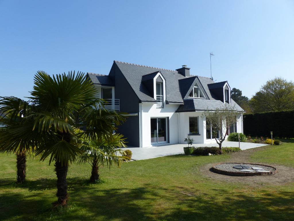 Maison contemporaine Riec Sur Belon, 152 m², 6 pièces